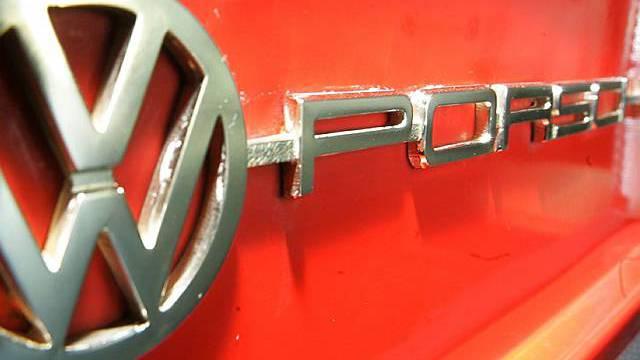 VW und Porsche streben Fusion an