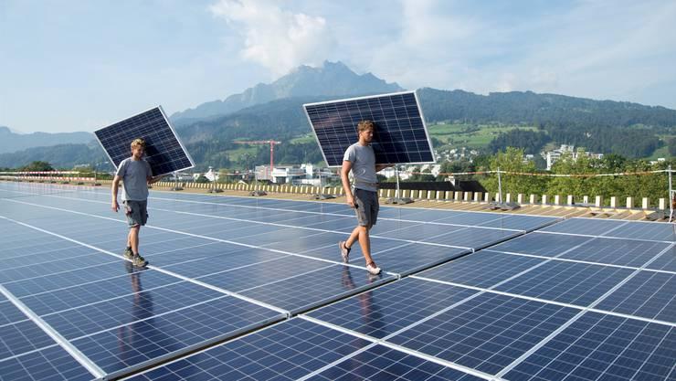 Damit die Abhängigkeit von fossilen Brennstoffen und Atomenergie reduziert werden kann, braucht es auch einen Ausbau der Photovoltaik.