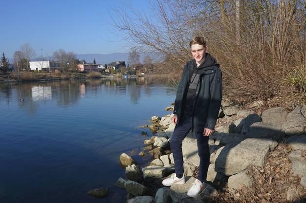 Janis Moser an der Aare.