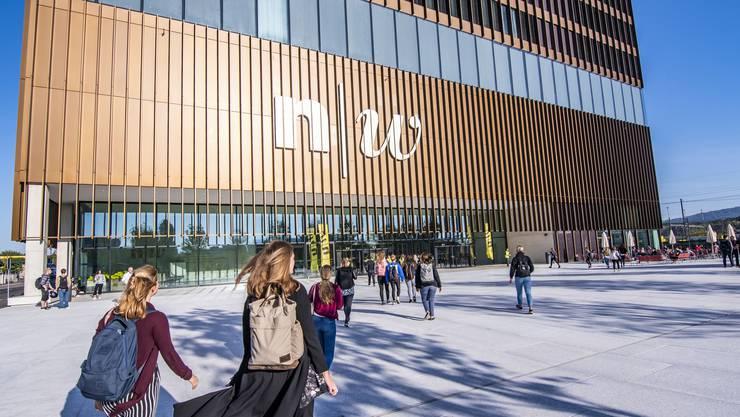 Am Montagmorgen, 17. September, begann der Unterricht im Neubau der Fachhochschule Nordwestschweiz in Muttenz.