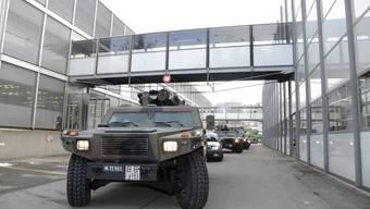 An verschiedenen Standorten im Kanton wird die Zusammenarbeit zwischen Militär und zivilen Rettungskräften trainiert. (Symbolbild)