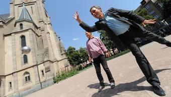 Damals war die Welt noch in Ordnung: Guy Morin und Thomas Kessler beim Boule-Spielen im Sommer 2012.