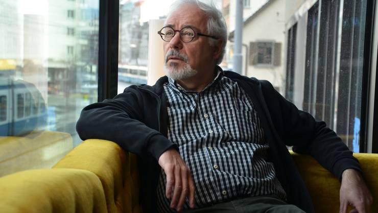 Pierre Gottheil ist einer der Organisatoren des «Yesh!»-Filmfestivals. Initiiert wurde das Festival 2015 vom jüdischen Filmverein «Seret» und der «Evi und Sigi Feigel Loge» (ESFL). Gottheil ist Mitglied des letzteren Vereins. Dieser entstand vor zwei Jahren als zweite Zürcher Loge der Dachorganisation B'Nai B'Rith. Die ESFL ist für Frauen und Männer offen, was die über 100 Jahre alte erste Loge nicht war. «Wir wollten diese etwas antiquierte Erscheinung ablegen», erklärt Pierre Gottheil zur Gründung der Tochterorganisation. Heute seien die Frauen unter den 60 Mitgliedern der noch jungen Loge in der Mehrheit. Die neue Vereinigung hat sich nach Evi und Sigi Feigel benannt, die mit der Geschichte der Stadt Zürich eng verbunden sind und sich unter anderem für die Verständigung unter den Religionen eingesetzt haben.