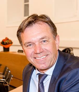 Andreas Meier an seinem Platz im Grossen Rat. (Archiv)