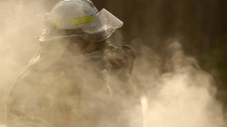Der Rauch liegt schon in die Städte vor, darunter Sydney und Melbourne - selbst Auckland in Neuseeland ist nicht davor gefeit.