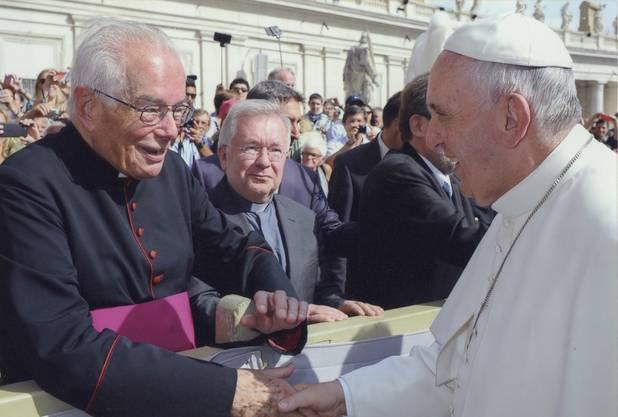 Hier ist Anton Cadotsch mit Papst Franziskus zu sehen. (Archivbild)