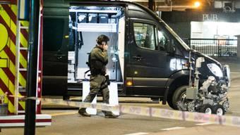 Sprengstoffexperten im Einsatz in der Innenstadt von Oslo: Die Polizei fand ein verdächtiges Gerät und sprengte es kontrolliert.
