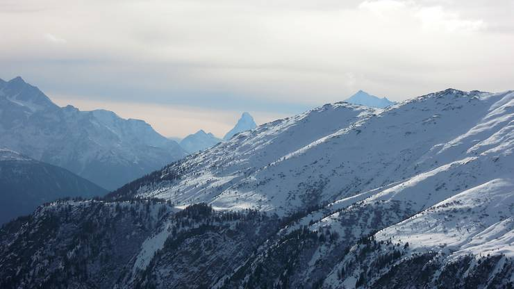 Auch bewölkt noch wunderschön ... Walliser Alpen von der Belalp fotografiert.