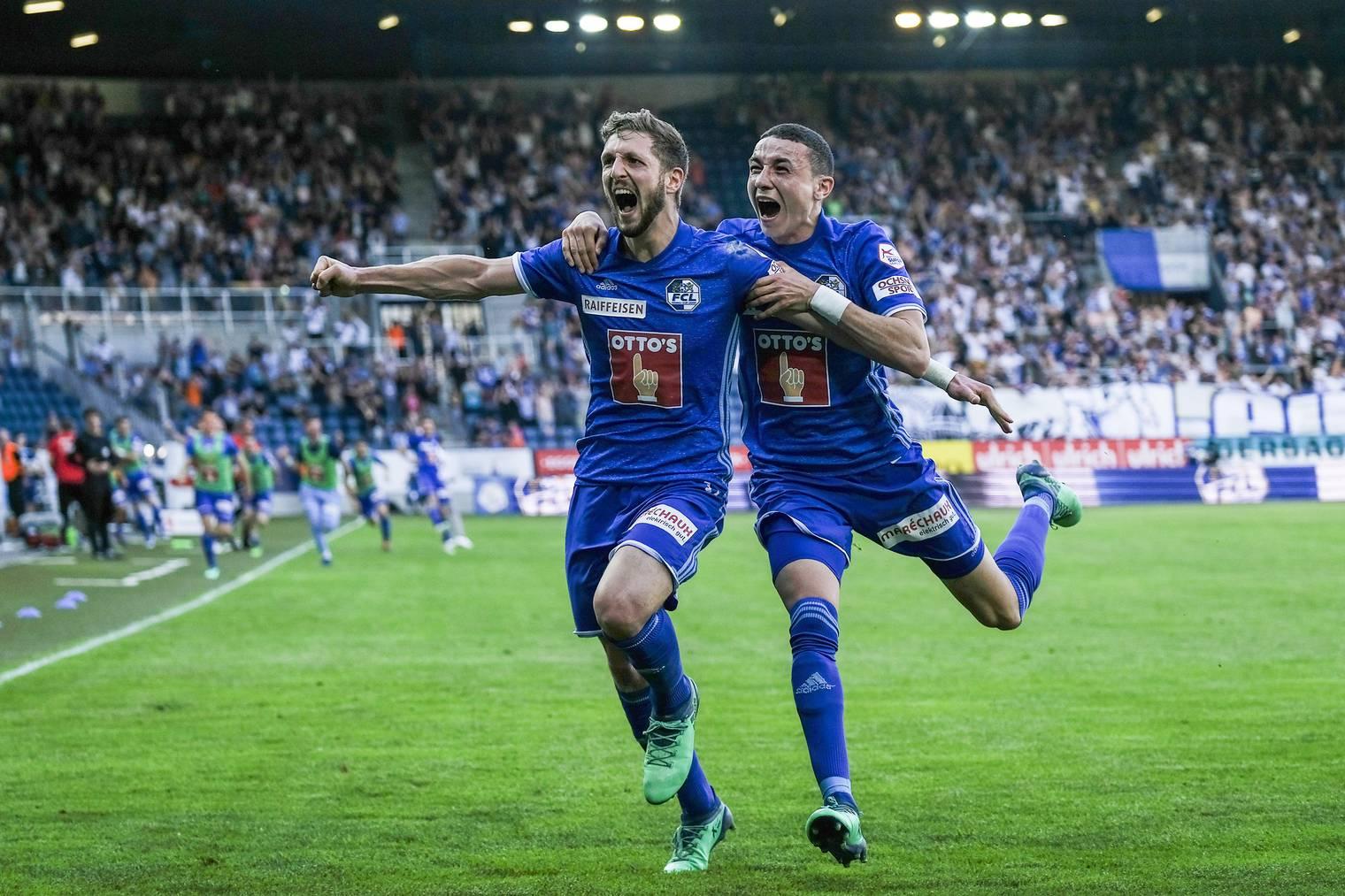Grenzenloser Jubel von Siegestorschütze Simon Grether zusammen mit Ruben Vargas nach dem Last-Minute 2:1 gegen den FC Zürich.