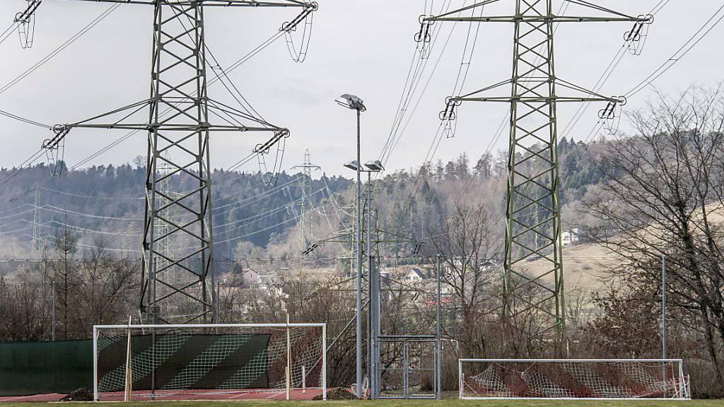 Die Schweizer Strompreise dürften im nächsten Jahr stabil bleiben. (Archiv)