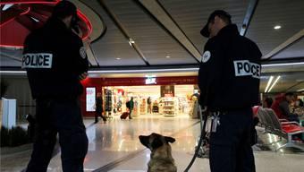 Der Flughafen Roissy in Paris wird streng bewacht. Christophe Ena/keystone