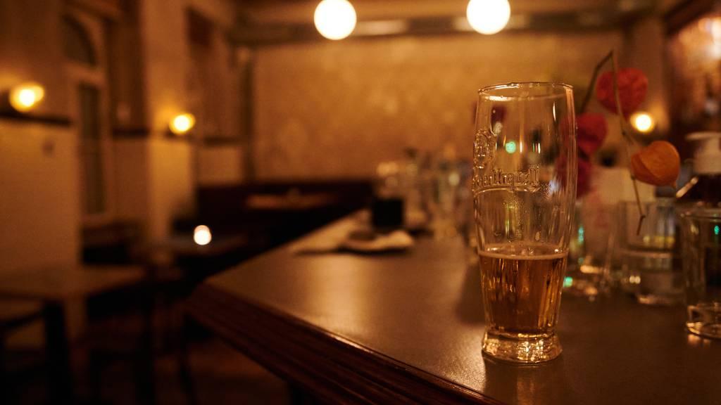 Im Aargau sind nur noch 50 Leute in Bars und Clubs erlaubt