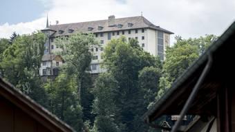 Die Justizvollzugsanstalt Thorberg: Hier streiken seit Freitag rund 50 Häftlinge. (Archivbild)
