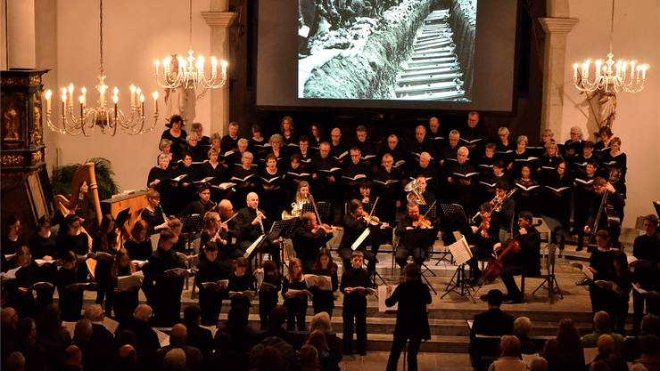 Die Kirchdorferin Margret Sohn leitete zwei Chöre und rund 20 Berufsmusiker.dvi