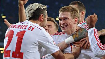 Valon Behrami und Artjoms Rudnevs bejubeln das 1:0