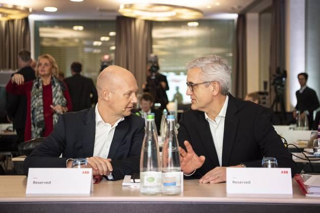 ABB-CEO Ulrich Spiesshofer (rechts) im Gespräch mit dem CFO Timo Ihamuotila.