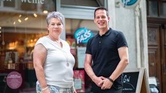 Nach 16 Jahren gibt Monika die Marco den Laden an Marc Trostel weiter.