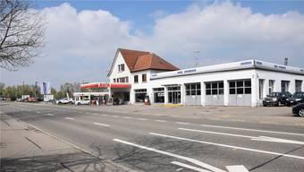Wegen der Umgestaltung der Überlandstrasse/Badenerstrasse muss die Avia-Tankstelle weichen.