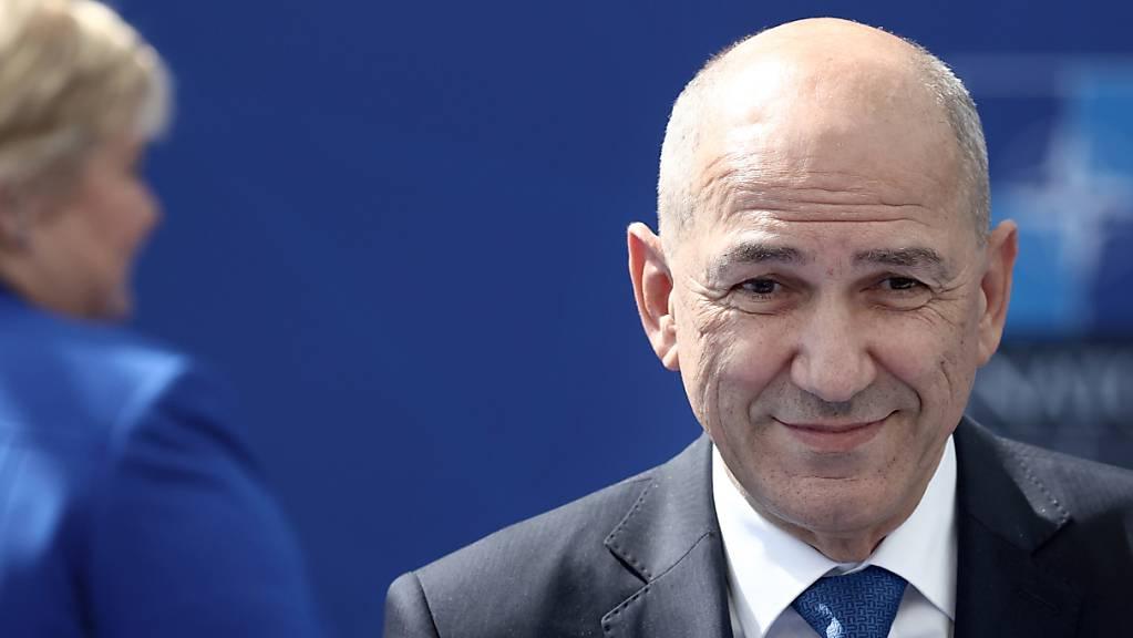 Janez Jansa, Ministerpräsident von Slowenien, gilt als äußerst umstrittener Politiker. Foto: Kenzo Tribouillard/Pool AFP/AP/dpa