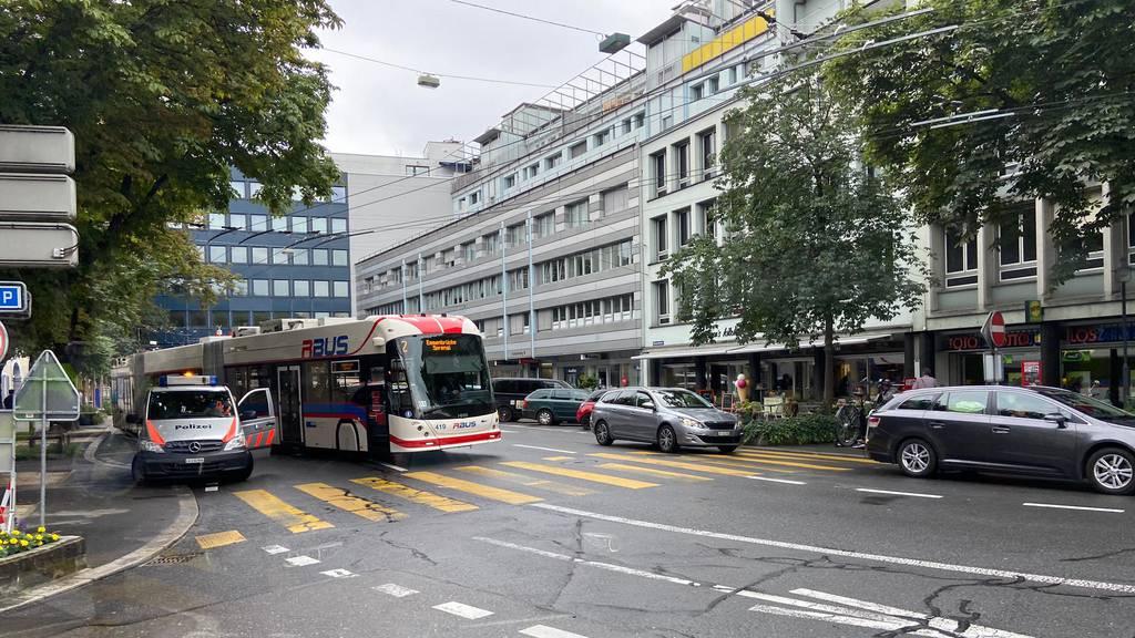 Kollision mit vbl-Bus – Polizei sucht Zeugen