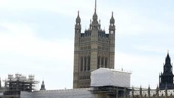 Am Westminster-Palast haben die Arbeiten schon begonnen. Je nach Art der Renovierung könnten die Arbeiten bis zu 32 Jahre lang dauern.