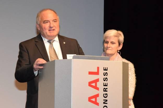 Daniel Moser und Heidi Ammon begrüssen die Unternehmerinnen und Unternehmer