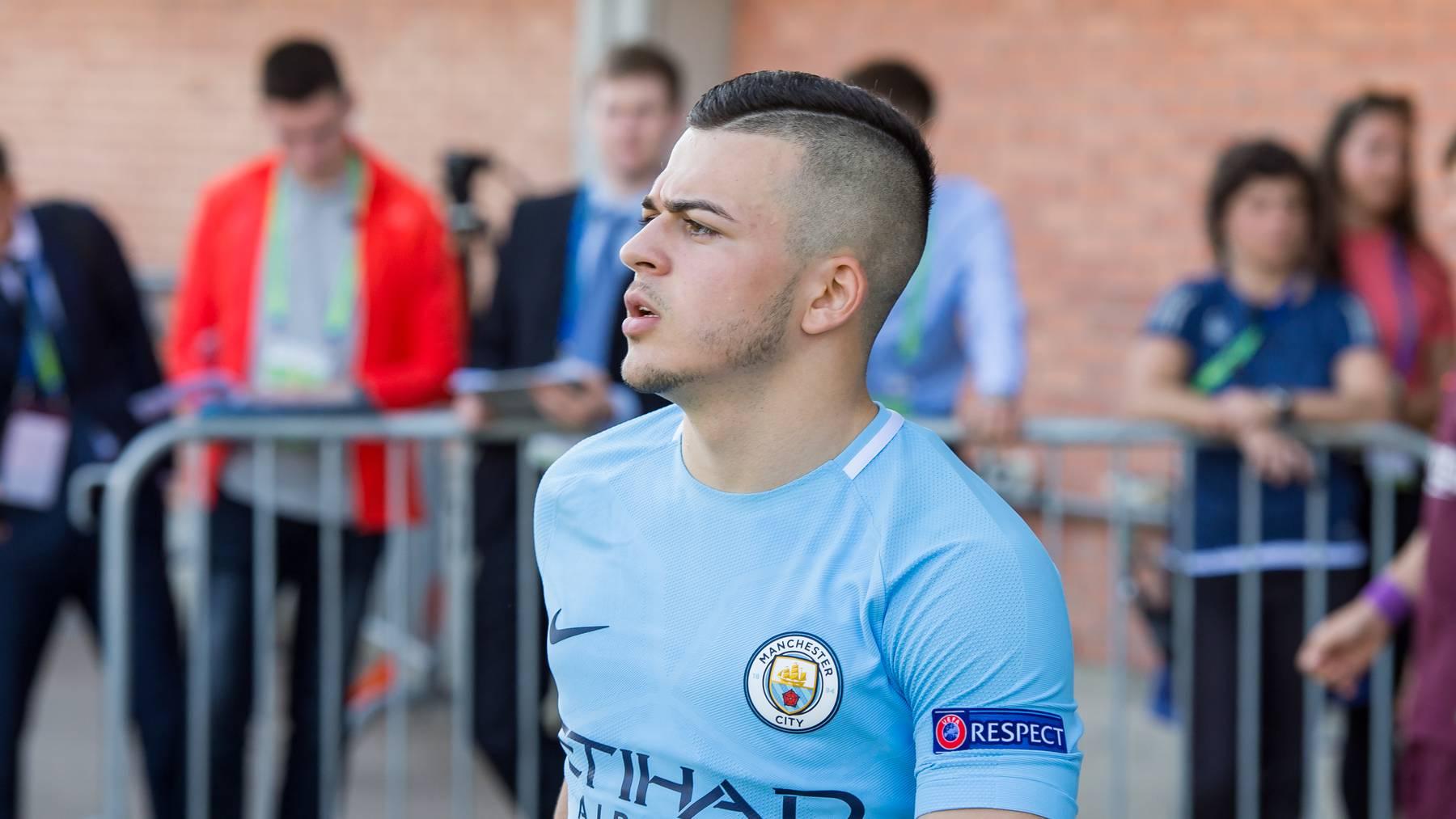 Lorenzo Gonzalez wurde bei Manchester City ausgebildet.