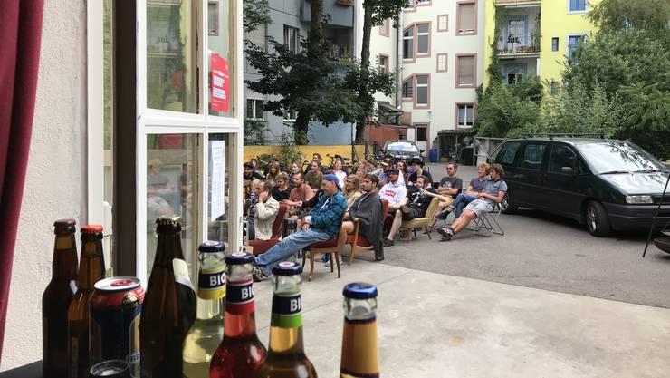Während den Spielen der Weltmeisterschaft verwandelt sich der Hinterhof der Jukebox in eine lauschige WM-Bar.