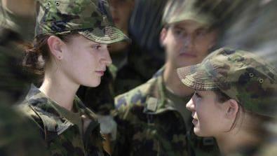 Frauen in der Armee.