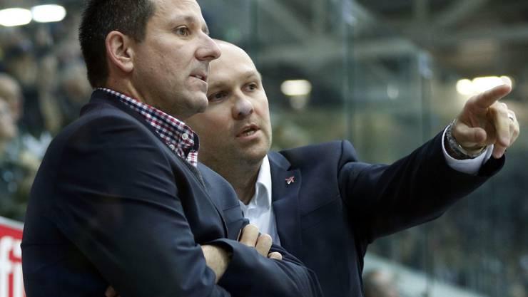 Marco Bayer (44) sammelte schon in Bern und Kloten Erfahrungen in der Nationalliga A. Hier sieht man ihn im November 2014 im Gespräch mit dem damaligen Klotener Assistenztrainer Kimmo Rintanen