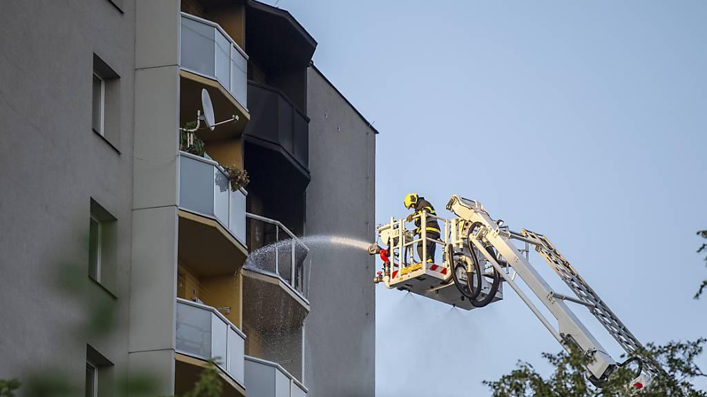 Mindestens 11 Tote bei Hochhausbrand in Tschechien