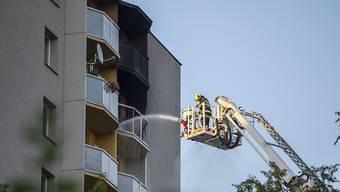 Bei dem Feuer in Bohumin im Osten Tschechiens sind mindestens 11 Menschen gestorben. Foto: VladimÌr PryËek/CTK/dpa