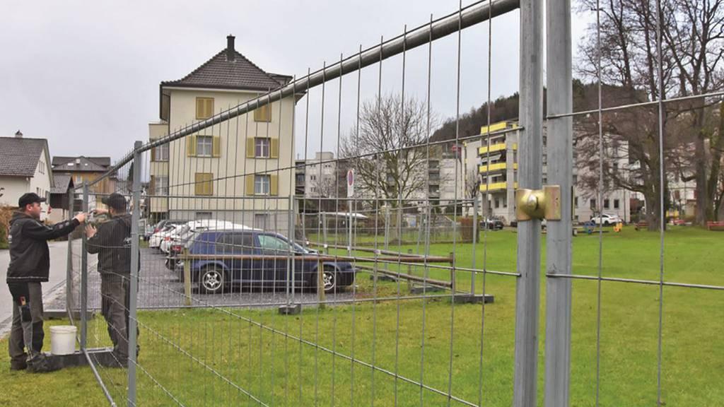 Giftige Schadstoffe gefunden: Spielplatz gesperrt