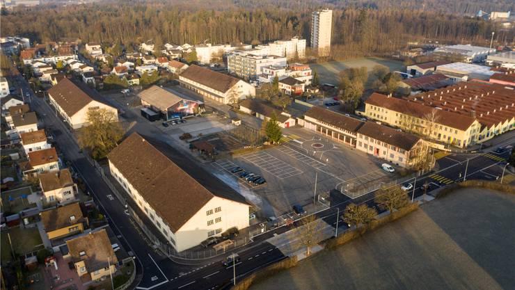 Im «Alten Zeughaus» möchte Lenzburg die Kantonsschule errichten.