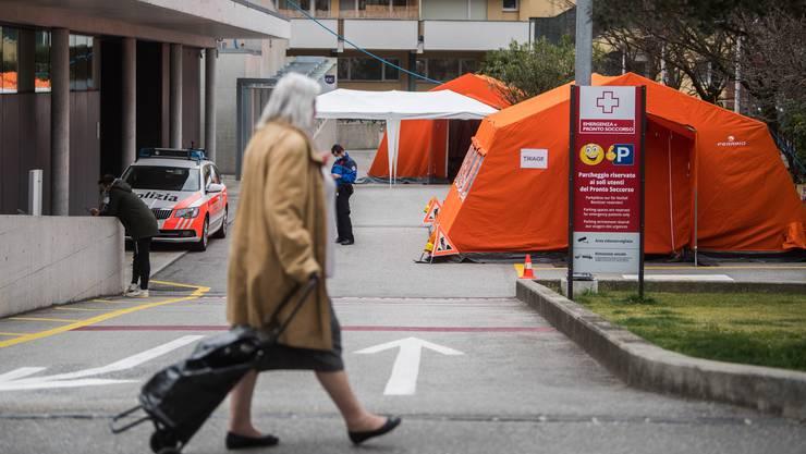 Der Eingangsbereich der Notaufnahme mit seiner Triage-Zone im Kantonspital Locarno.