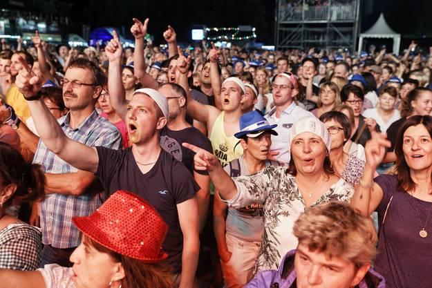 VolksSchlager OpenAir 2018 auf dem Heitere Zofingen: Das Publikum zeigte sich in bester Stimmung und war bei allen Konzerten voll dabei.