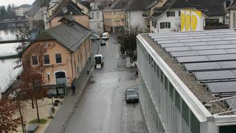 Auch die Energieversorger selber setzen auf «Erneuerbare» Photovoltaikanlage auf dem Dach der Regio Energie in Solothurn.