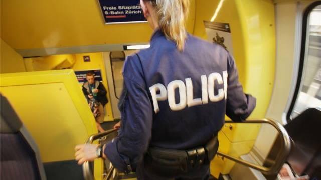 Polizistinnen stellen bereits 23 Prozent des Korps – Tendenz weiter steigend. Foto: Raphael Hünerfauth