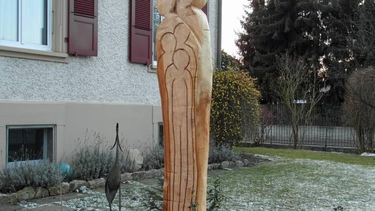 Skulptur aus Baumstrunk Cf-Bally-strasse 22.jpg