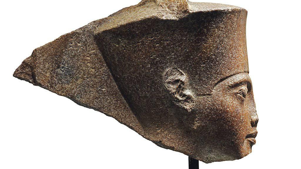 Die Steinskulptur, die den Kopf des ägyptischen Pharaos Tutanchamun abbildet, ist rund 3000 Jahre alt. (Archivbild)