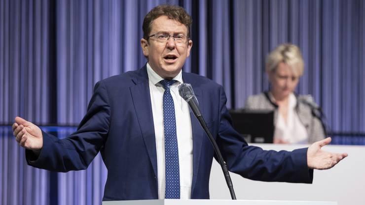 SVP-Präsident Albert Rösti an der Sondersession des Parlaments in Bern. Seine Partei wehrte sich gegen zusätzliche Staatsausgaben.