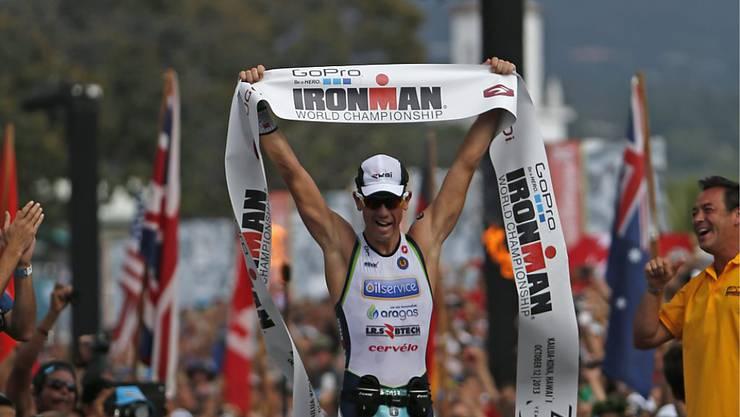 Frederik Van Lierde (hier beim Gewinn der Ironman-WM 2013 auf Hawaii) wurde gut eine Woche vor dem Ironman Südafrika in Port Elizabeth von Jugendlichen bewusstlos geschlagen