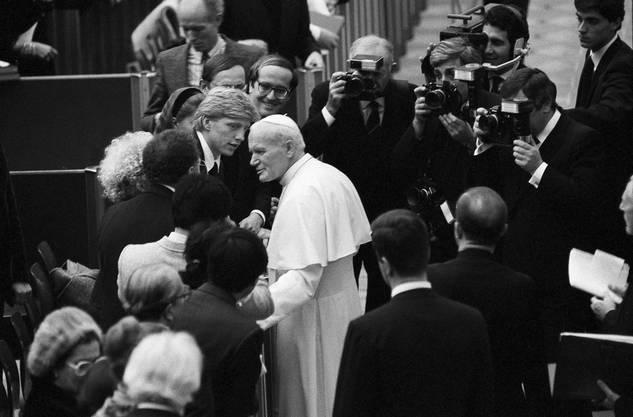 1986 traf Becker Papst Johann Paul II