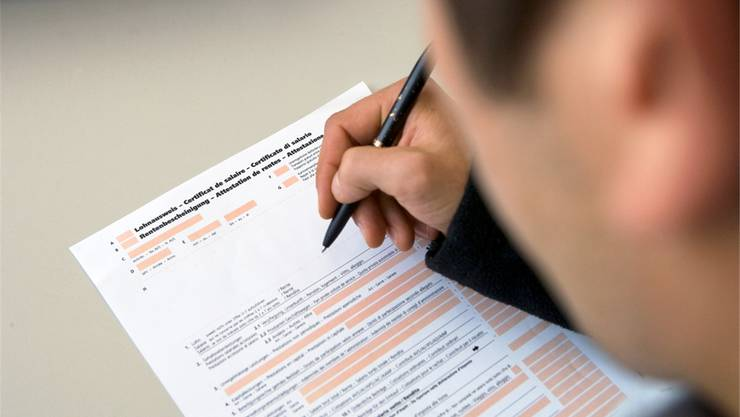 Auch Arbeitgeber unterstehen der Lohnmeldepflicht - und leiten dem Steueramt Lohnausweise weiter.