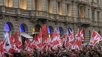 Nullrunde oder nicht: Gewerkschaften und die Arbeitnehmer-Organisation Angestellte Schweiz sind sich uneins über Lohnforderungen im Herbst. (Alex Spichale)
