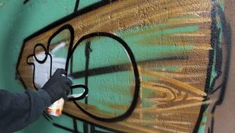 Sollen in Schlieren bald noch weniger zu sehen sein: Graffiti und andere Schmierereien.