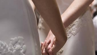 Der Bundesrat will gleichgeschlechtlichen Paaren den Zugang zur Ehe ermöglichen. (Themenbild)