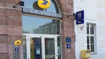 Auch von der Post in Huningue nehmen Briefe nach Basel den Weg über Paris.