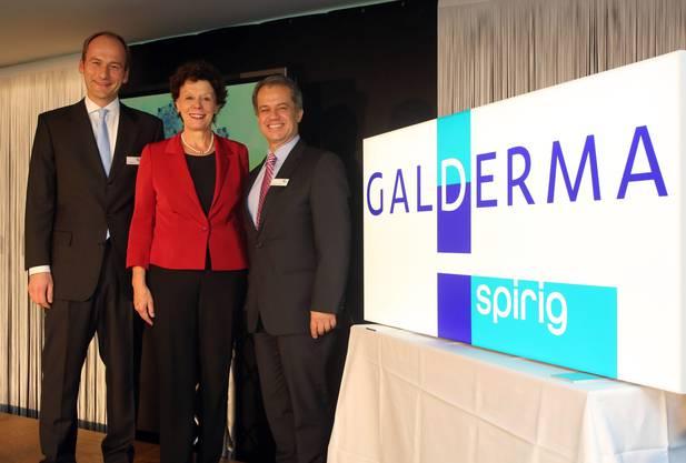 Gaben im Oktober 2013 den Startschuss für Galderma Spirig (v.l.): Marc Wannhoff, Chef Schweiz, Volkswirtschaftsdirektorin Esther Gassler und Galderma-CEO Humberto Antunes.