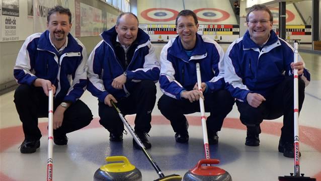 Das Siegerteam des CC Solothurn mit Daniel Jaggi, Thomas Lüthy, Beat Fischer und Skip Knud Niebu. Schläfli